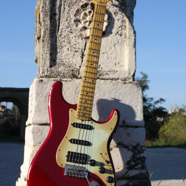 Strat-candy-apple-red
