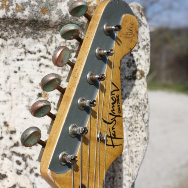 stratocaster-headstock-maple