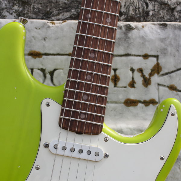 stratocaster-aged-green