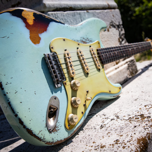 Stratocaster-sonic-blue