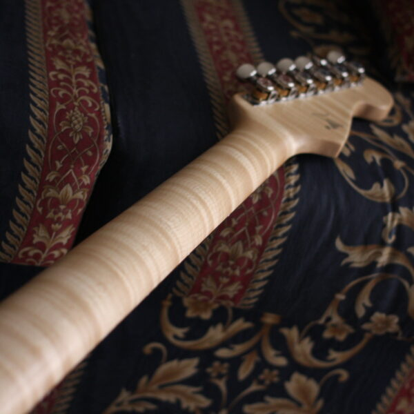 Flame-maple-neck
